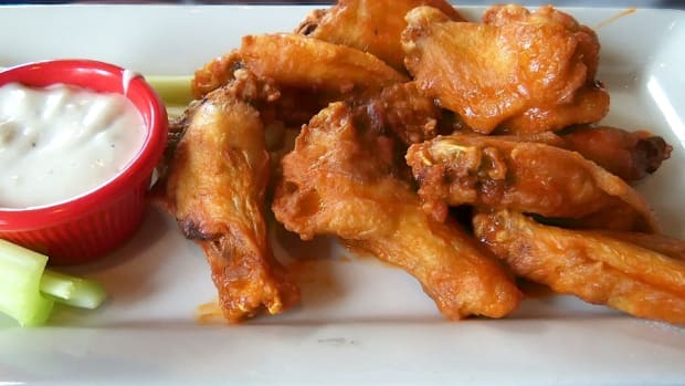 By Clotee Pridgen Allochuku (Chili's Wings Over Buffalo auf flickr) [CC BY 2.0], via Wikimedia Commons