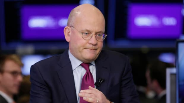 General Electric Chairman and CEO John Flannery is interviewed on the floor of the New York Stock Exchange, Tuesday, Nov. 14, 2017. (AP Photo/Richard Drew)