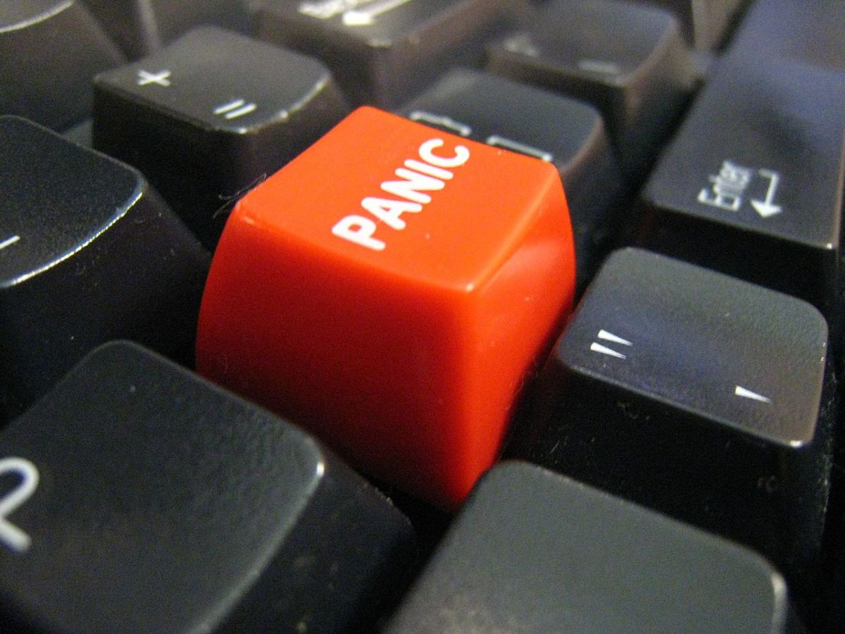 By John (Flickr: Panic button) [CC BY-SA 2.0], via Wikimedia Commons