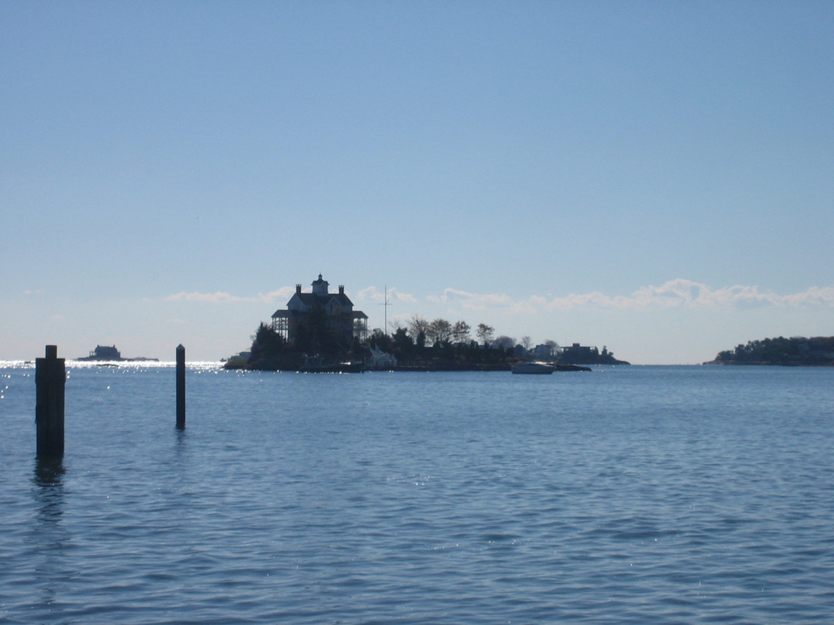 By paul stumpr from los angeles, USA (Thimble Islands) [CC BY-SA 2.0], via Wikimedia Commons