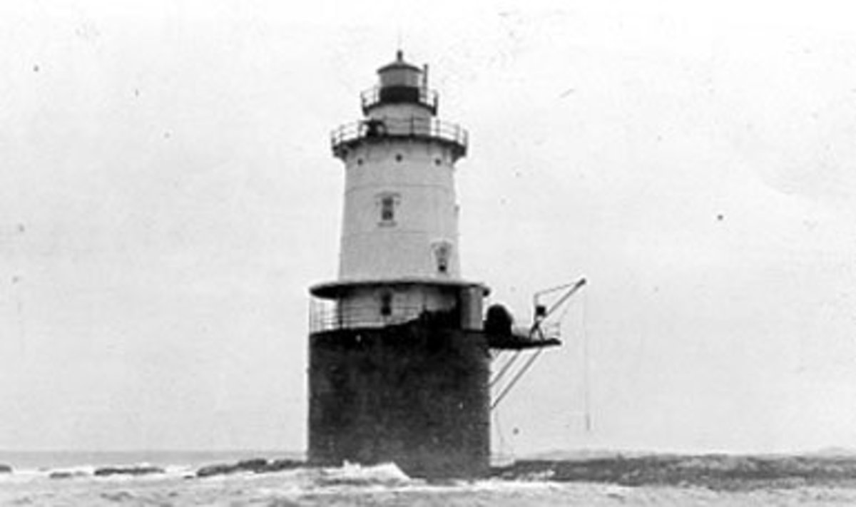 By US Coast Guard [Public domain], via Wikimedia Commons