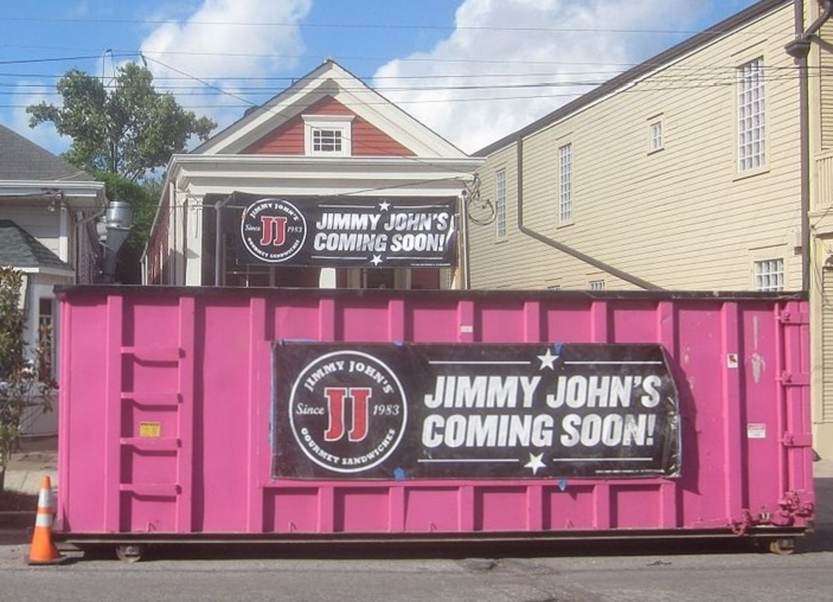 By Infrogmation of New Orleans (Flickr: Maple St Jimmy Johns Carpetbaggers) [CC BY 2.0], via Wikimedia Commons