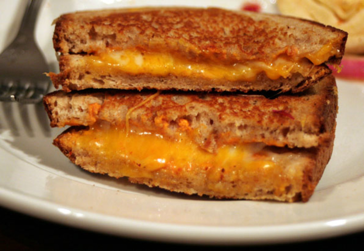 By Maggie Hoffman (Tomato Soup Grilled Cheese) [CC BY 2.0], via Wikimedia Commons